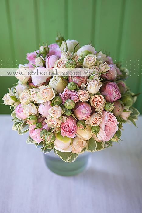 Свадебный букет из розовых пионов, пионовидных роз и кремовой кустовой розы