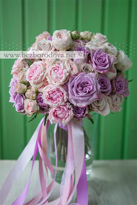 Нежный свадебный букет из розовых пионовидных роз с сиреневыми розами армандо и дольчетто